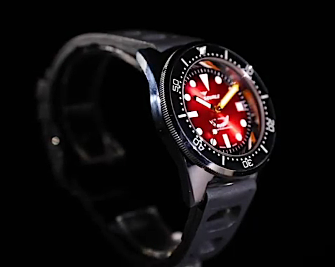 Red Passion 50 atmos with stand out dial
